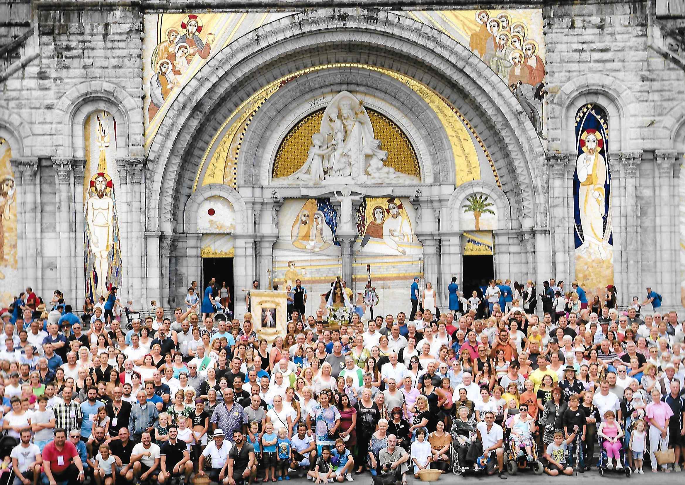 Calendrier Des Pelerinages Lourdes 2019.Lourdes 2019 Venez En Famille Paroisses Aix Arles